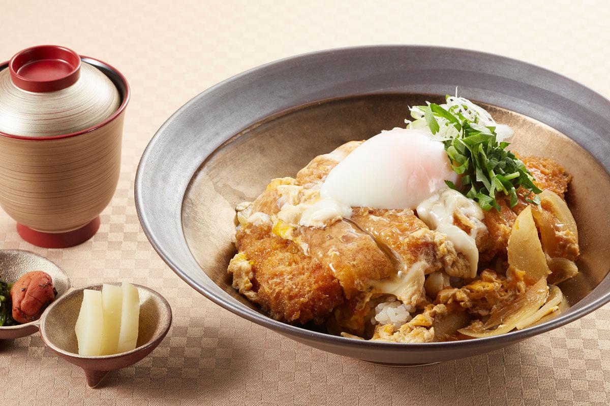 三元豚ロースカツ丼